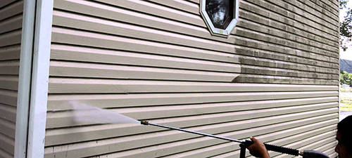 Exterior house vinyl siding cleaning services for all types of house vinyl sidings.